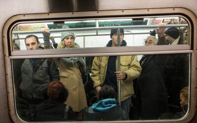 Pasajeros en el metro de Nueva York