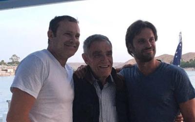 Alan Tacher junto al autor de sus días, don Alejandro, y su herma...