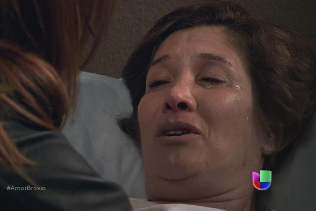 Ella quiere hablar con Daniel, debe decirle algo antes de morir.