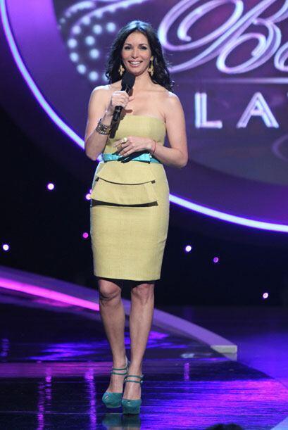 Giselle volvió a lucir un traje corto en la gala de Nuestra Belleza Latina.