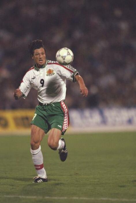El fútbol doblegó muchas veces al cáncer, como en 1994 también alcanzó v...