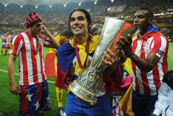 El atacante colombiano Radamel Falcao marcó dos tantos en la Final y fue...