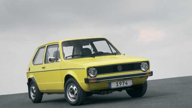 El primer Golf salió a la venta en 1974.