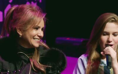 Daniela Castro admite ser 'mamá gallina' ahora que sus hijas debutaron e...