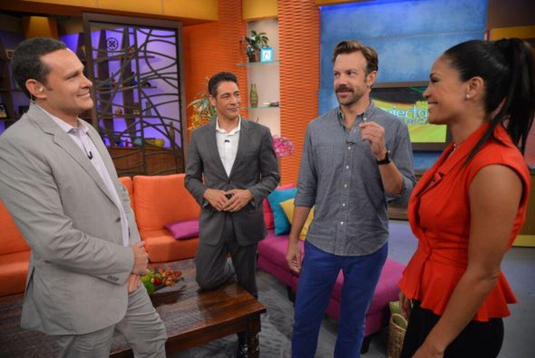 También Jason Sudeikis visitó Despierta América y vaya cambio de look qu...