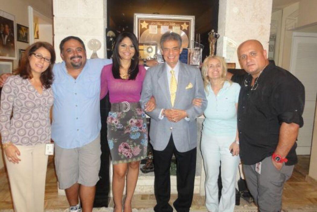 José José nos recibió en su hogar para hablar con Natalia Cruz en exclus...