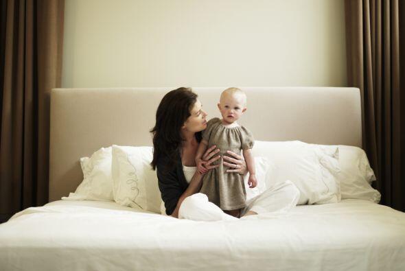 Una de las ventajas de criar a tu hijo sola es que no tienes que comprom...