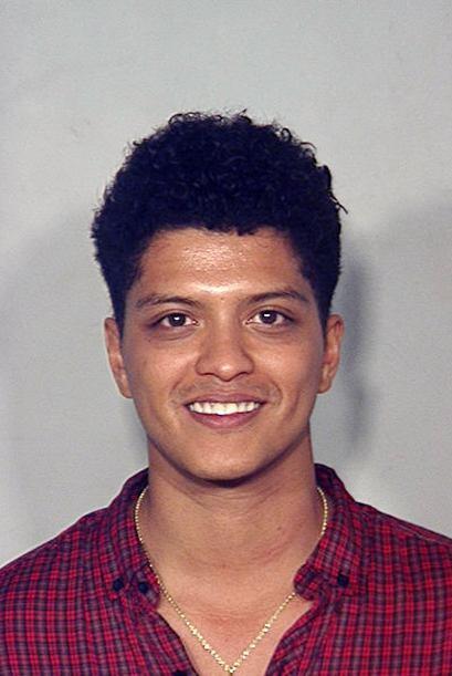 Peter Hernández, mejor conocido como Bruno Mars, fue arrestado por tener...