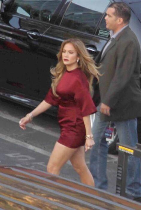 Jennifer salió despampanante de los vestidores luciendo un maquillaje fa...