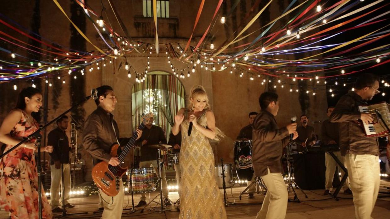 Los Ángeles Azules en su colaboracion con Yuri.