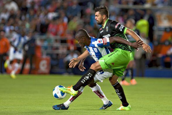 Félix Araujo no podrá jugar con los Leones Negros en su de...