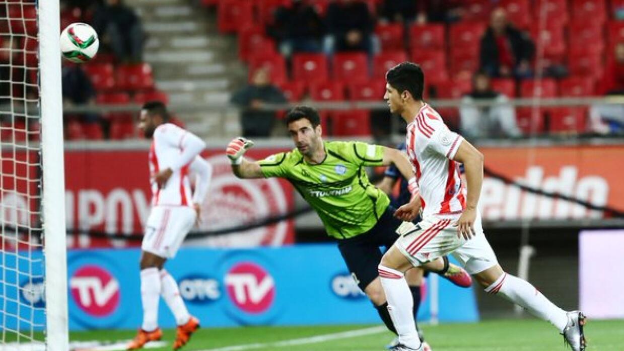 Pulido hace su primer gol con Olympiakos