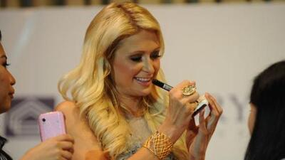 Paris Hilton se mostró feliz en su visita a Manila a pesar de haber extr...