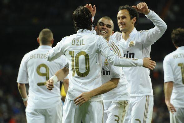 Finalmente el Real Madrid le ganó 3 a 1 al Zaragoza. Siguen los festejos...