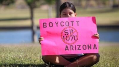 La aprobación de la polémica Ley SB1070 distanció el voto latino del Par...