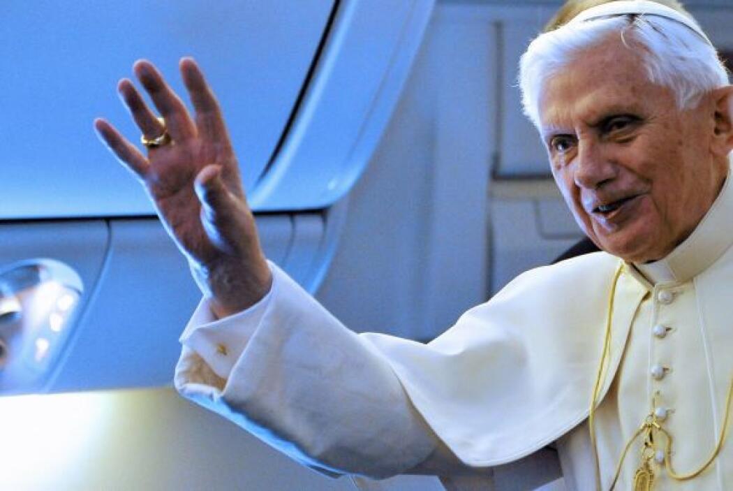 Joseph Alosisius Ratzinger, mejor conocido como el Papa Benedicto XVI, n...