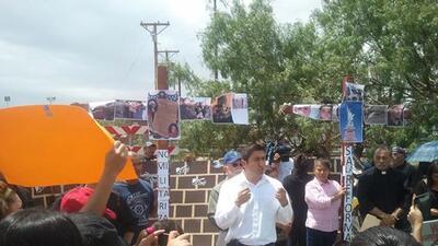 Arturo Carmona en un evento de inmigración