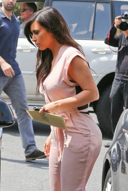 No cabe duda que todo lo que hace y hasta lo que usa Kim, se convierte e...