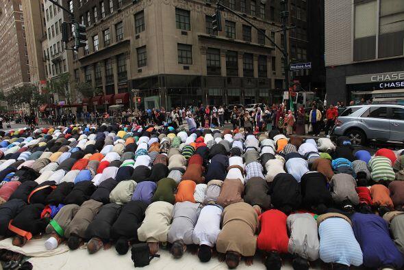 La religión musulmana tiene más de 14 siglos y se desarrolló tras la mue...