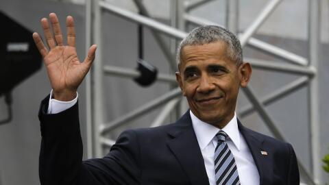 El expresidente Barack Obama, en Berlín, durante su encuentro con Angela...