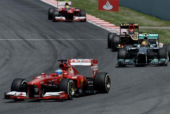 Estos primeros momentos no fueron del todo mal para Alonso (tercero), qu...