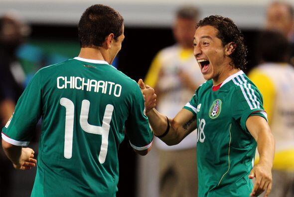 Hasta Andrés Guardado no podía contener la carcajada por lo pícaro que h...