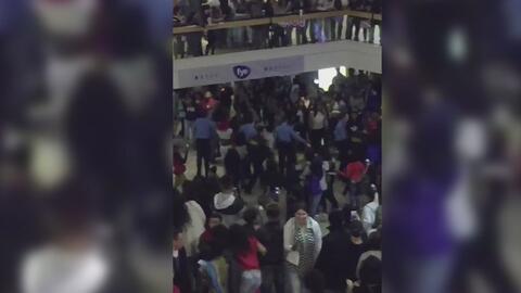 Acusan a ocho jóvenes por pelea que provocó el cierre de Fox Valley Mall...