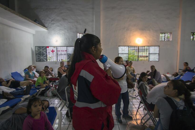 Puerto Vallarta recibe al potente huracán Patricia GettyImages-493983410...