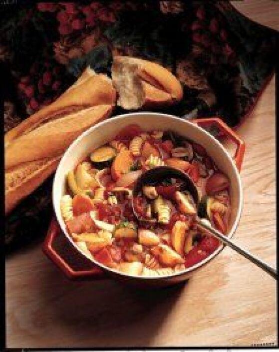 SOPA (ESTOFADO) DE VERDURAS ASADASSi no te gustan las verduras, para mam...