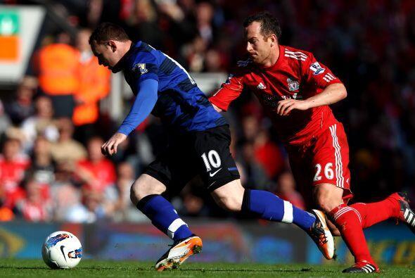 Rooney y el 'Man-U' necesitaban un triunfo para mantenerse en lo m&aacut...