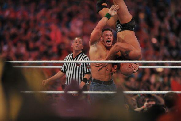 John Cena y The Rock demostraron por qué son dos leyendas.
