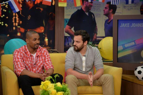 Los actores de 'Let's be Cops' Damon Wayans Jr. y Jake Johnson visitaron...