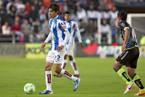 Rodolfo Pizarro (7): Se puede decir que cumplió. El joven jugador de los...