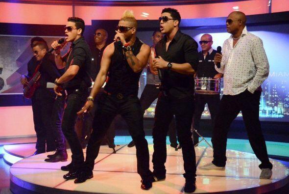 El grupo musical cubano Charanga Habanera también llegó a Noche de Perros.