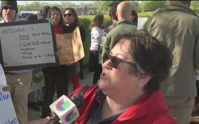 Con protestas, maestros del CPS exigen que se destinen fondos para los p...