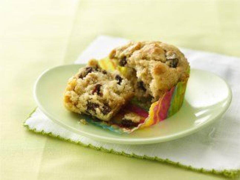 """""""Muffins"""" de plátano con pasitas: ¿Granos integrales y al vuelo? Convier..."""