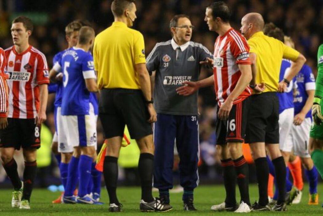 Everton y Sunderlan vivieron momentos de tensión y el árbitro tuvo que s...