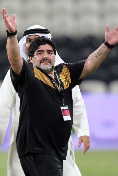 Maradona se retiró con una ovación a pesar de la derrota.