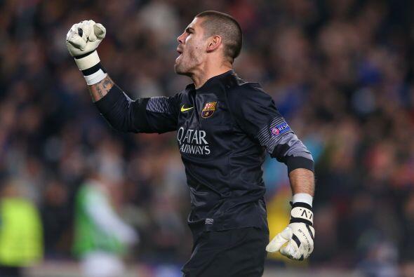 LO MEJOR - Valdés fue una muralla ante el City:   El portero catalán no...
