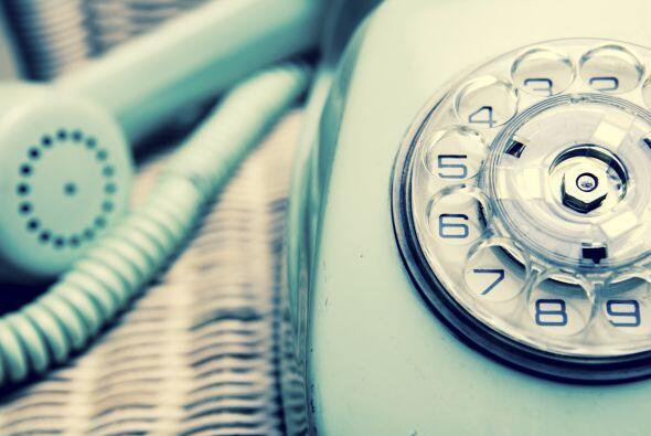 Seguramente, el teléfono con el largo cable enrollado te remita m...