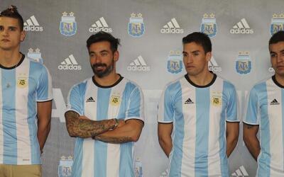 Argentina presentó su nueva playera