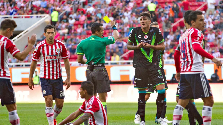 Gabriel Peñalba fue expulsado ante Chivas