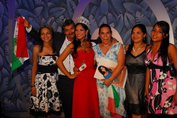 La familia de Alejandra celebró su triunfo y son un gran apoyo para ella...