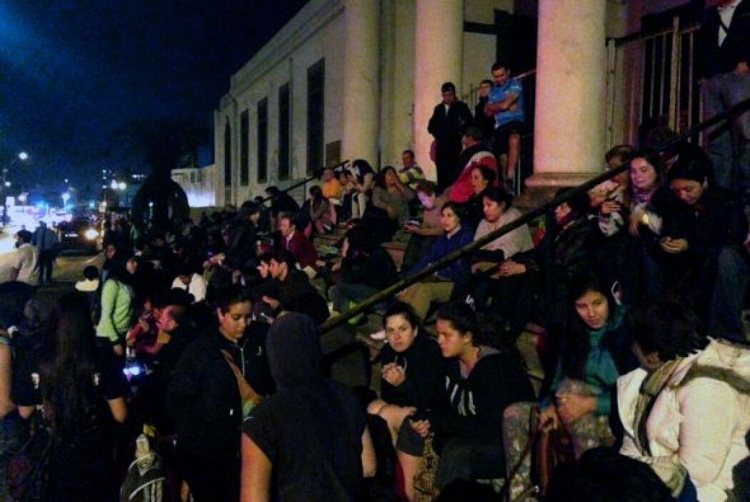 Las autoridades pidieron a las personas evacuadas, que se calcula fueron...