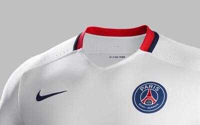 París Away Kit
