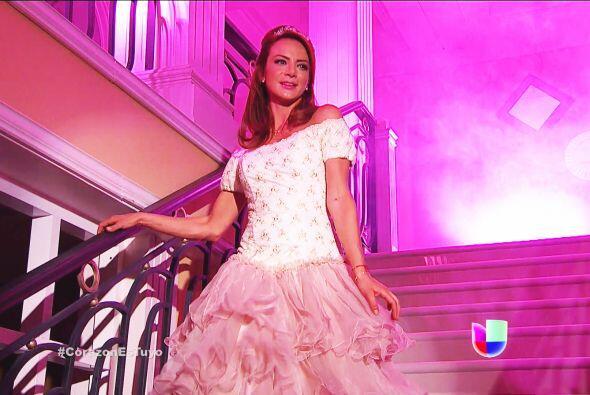 Te ves bellísima Ana, eres la mujer más hermosa de todos l...