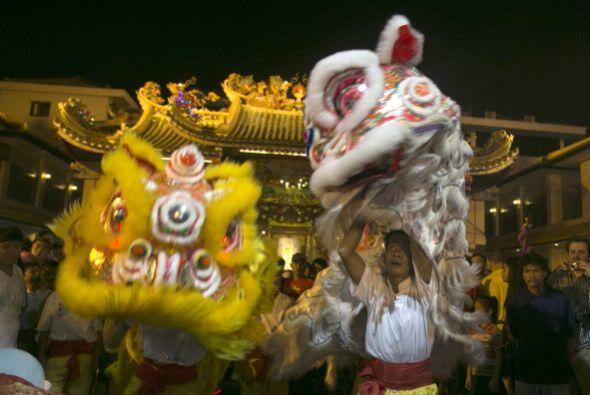 Según el calendario lunar chino, los 60 años que componen su siglo se di...