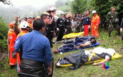 Mueren seis personas tras desplome de avioneta en Guatemala