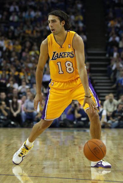 El basquetbolista, tuvo promedio de 2,8 puntos y 1,2 rebotes en 67 parti...