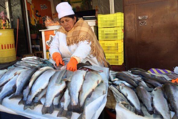 Aunque no tiene salida al mar, Bolivia cuenta con un mercado de pescados...